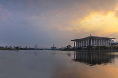 Взгляд восхода солнца мечети abidin zainal tuanku mizan Стоковые Фотографии RF