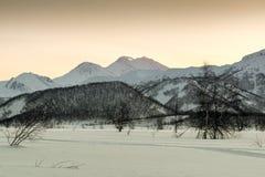 Взгляд вулкана природного парка и Zhupanovsky Nalychevo стоковое изображение