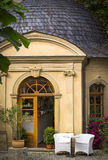 Взгляд входа красивого ресторана Стоковые Фотографии RF