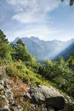 Взгляд высоких гор Tatra от hiking тропки. Стоковая Фотография RF