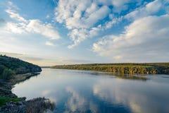 Взгляд в апреле Dnieper Стоковые Изображения RF