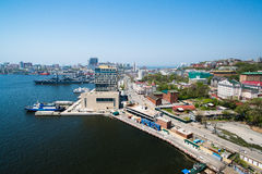 Взгляд Владивостока от моста через рожок залива золотой Стоковое Изображение RF