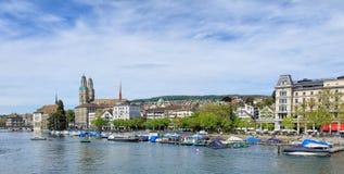 Взгляд в городе Цюриха на пасмурный день Стоковые Фото