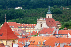Взгляд горизонта Праги от башни Карлова моста Стоковые Изображения