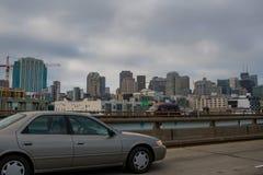 Взгляд горизонта Сан-Франциско от моста залива Стоковая Фотография