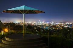 Взгляд города Брисбена от простофили-tha держателя Стоковая Фотография RF