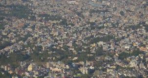 Взгляд города непальца с взглядом s-глаза ` птицы сток-видео
