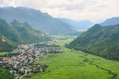 Взгляд городка в Moc Chau, Вьетнаме стоковое изображение