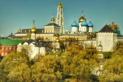 Взгляд городка Загорска на ярком утре Стоковое фото RF