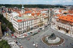 взгляд городка республики cesky чехословакского krumlov средневековый старый старый городок prague квадратный над взглядом 13-ое  Стоковое Изображение