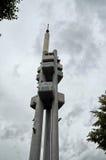 взгляд городка республики cesky чехословакского krumlov средневековый старый zizkov башни телевидения prague 17-ое июня 2016 Стоковая Фотография