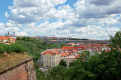 взгляд городка республики cesky чехословакского krumlov средневековый старый Взгляд от Visegrad на домах Праги 18-ое июня 2016 Стоковые Изображения RF
