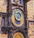взгляд городка республики cesky чехословакского krumlov средневековый старый астрономические часы prague Стоковое Фото