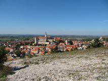 Взгляд городка Mikulov от святого холма стоковое изображение rf
