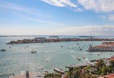 Взгляд городского пейзажа лагуны Венеции от колокольни Сан Marco Стоковое Фото