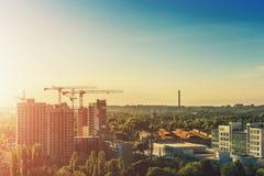 Взгляд городского пейзажа захода солнца вечера города Воронежа от крыши Стоковое Фото