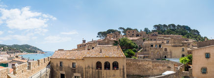 Взгляд городского пейзажа старого Tossa de mar, Косты Brava, Испании стоковое изображение