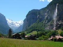 Взгляд гор в швейцарских Альпах Стоковые Фотографии RF