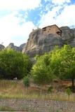 Взгляд гор и монастырей Meteora стоковая фотография