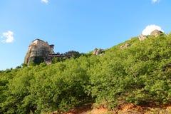 Взгляд гор и монастырей Meteora стоковое изображение rf