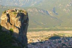 Взгляд гор и долины где монастыри Meteora стоковая фотография