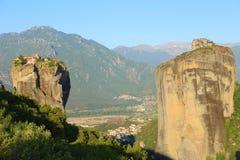 Взгляд гор и долины где монастыри Meteora стоковые фотографии rf