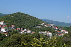 Взгляд деревни в горе Стоковая Фотография
