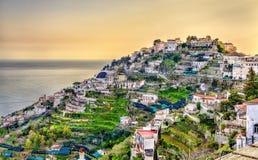 Взгляд деревни Ravello на побережье Амальфи Стоковое Изображение