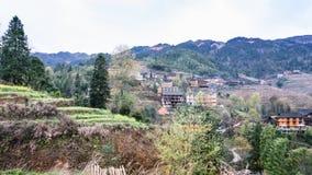 взгляд деревни Tiantouzhai в террасных холмах Стоковые Фотографии RF