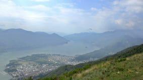 Взгляд лета от верхней части швейцарских Альпов около Локарна видеоматериал