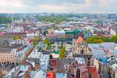 Взгляд жилого района с домами и улицами сверху Стоковые Изображения