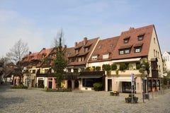 Взгляд жилых и коммерчески зданий на квадрате Trodelmarkt в Нюрнберге Стоковое Изображение