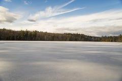 Взгляд замороженного озера Стоковая Фотография