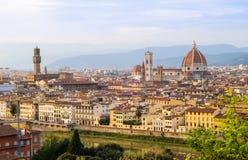 Взгляд захода солнца Флоренса, Тосканы, Италии стоковые фотографии rf