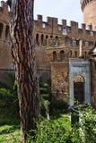 Взгляд задворк и входа замка Giulio II Стоковое Изображение RF