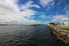Взгляд залива Guanabara и моста Рио-Niteroi Стоковое фото RF