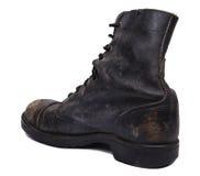 Изолированный используемый ботинок армии - раскосная пятка Стоковое Изображение RF