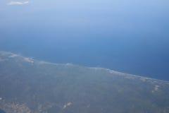 Взгляд земли, полей, и облаков сверху Стоковая Фотография RF