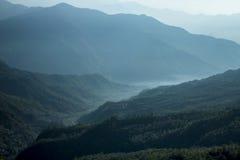 Взгляд зеленого ландшафта успокоенный Стоковые Изображения