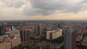Взгляд зданий и движения в Найроби Кения сток-видео