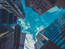 Взгляд зданий и неба небоскреба Стоковое Фото