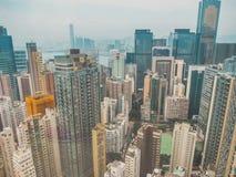 Взгляд зданий и неба небоскреба Стоковые Изображения