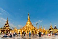 Взгляд известной пагоды Shwedagon Мьянмы в Янгоне стоковое фото