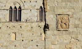Взгляд каменной стены Пистойя Тосканы старый с окном Стоковое Фото