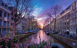 Взгляд канала Амстердама в вечере Стоковое Изображение RF