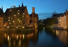 Взгляд канала с отражениями на ноче Стоковое Изображение