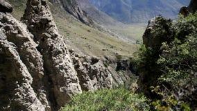 Взгляд каньона горы на летнем времени сток-видео