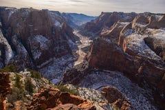 Взгляд каньона Сиона от места наблюдения Стоковое Фото