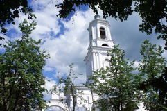 Взгляд колокольни православной церков церков Стоковые Фотографии RF