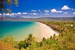 Взгляд красивого тропического пляжа Стоковое Фото